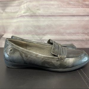 Life stride silver pewter leather loafers